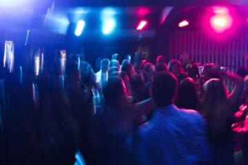 What do smart DJs use to better mix beats?