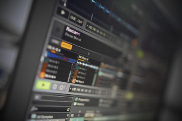 3 creative ways to use a sample player in DJ software