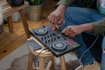 Introducing 5 small size DJ controllers