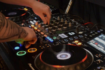 8 reasons why mixing is important for DJs